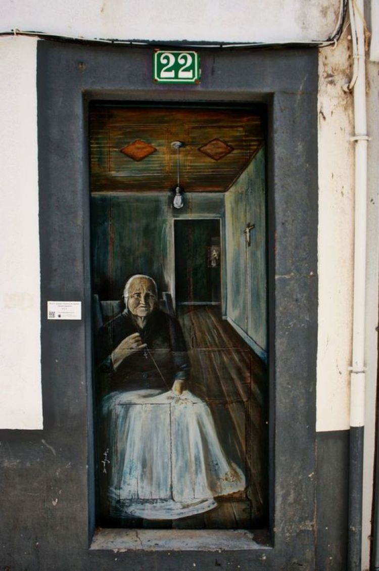 unusual and creative painted doors, Portugal