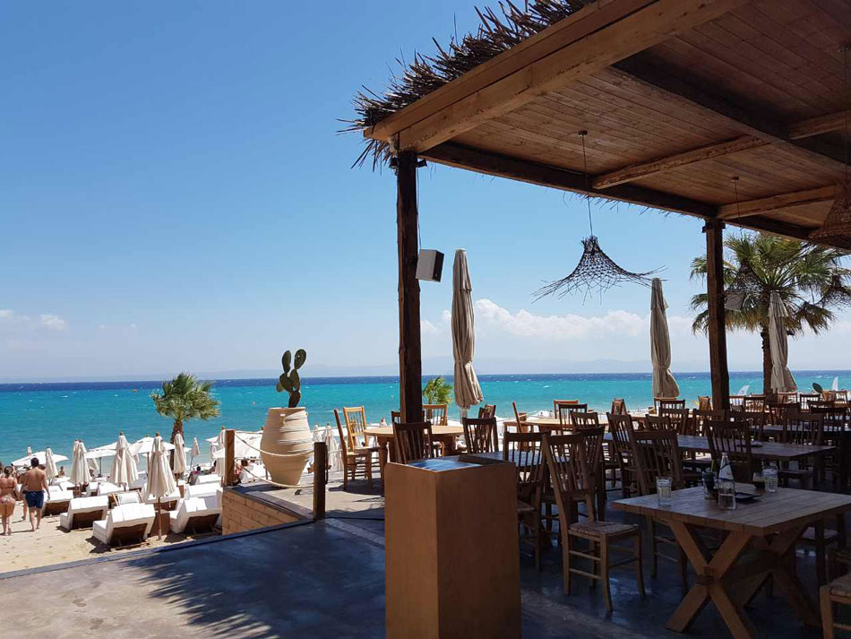 luxury beach bar in Halkidiki, Achinos 5