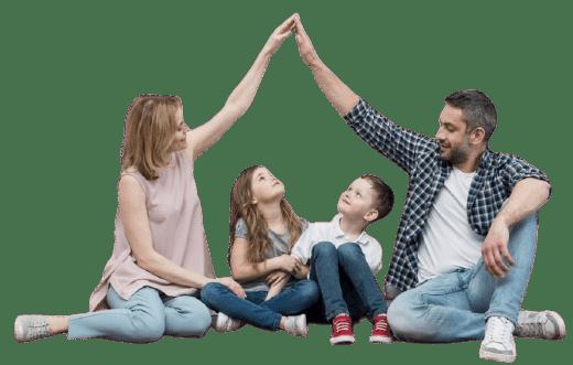 Famille projetant d'avoir une nouvelle maison