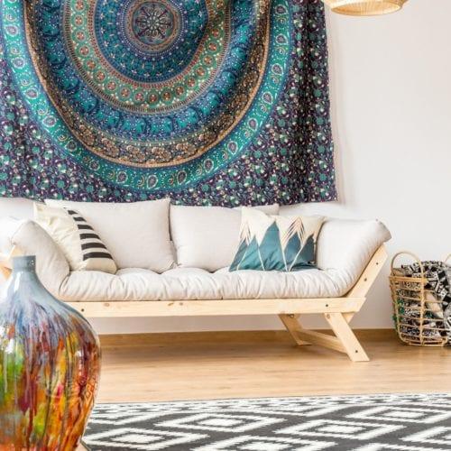Photo montrant une decoration avec tapisserie du style ethnique