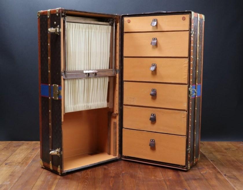 Dizionario della Moda Mame: Louis Vuitton. Il baule guardaroba.