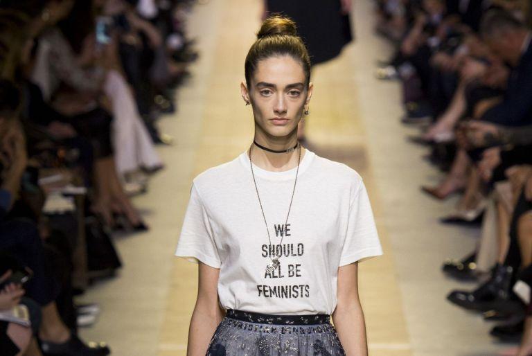 Dior T-Shirts Dior con slogan femminista