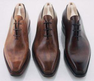 """Origini della casa Berluti: tre calzature stringate modello """"Alessandro"""" in diverse gradazioni di pelle"""