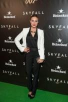 La presentadora Berta Collado con un look dandy | Foto vía Heineken
