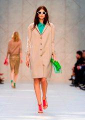 Larissa Hofmann - Burberry 2014 İlkbahar-Yaz