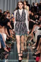 Daphne Simons - Louis Vuitton Resort 2015