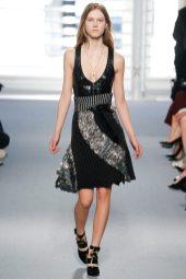Julie Hoomans - Louis Vuitton Fall 2014