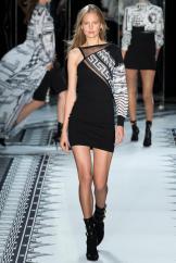 Elisabeth Erm - Versus Versace Spring 2015