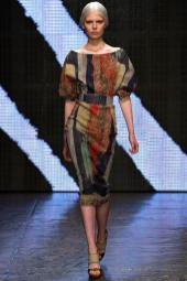 Ola Rudnicka - Donna Karan Spring 2015