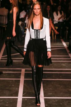 Ine Neefs - Givenchy Spring 2015