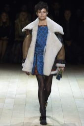 Isabella Emmack - Burberry Fall 2016 Ready-to-Wear