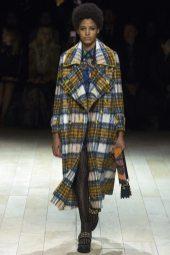 Chanel De Leon Gomez - Burberry Fall 2016 Ready-to-Wear