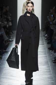 Ruby Aldridge - Bottega Veneta Fall 2016 Ready-to-Wear