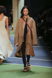 Jing Wen - Céline Fall 2016 Ready-to-Wear