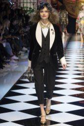 Anna Mila Guyenz - Dolce & Gabbana Fall 2016 Ready-to-Wear