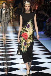 Irina Djuranovic - Dolce & Gabbana Fall 2016 Ready-to-Wear