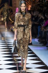 Kinga Rajzak - Dolce & Gabbana Fall 2016 Ready-to-Wear