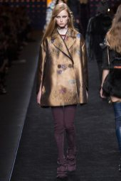 Rianne van Rompaey - Fendi Fall 2016 Ready-to-Wear
