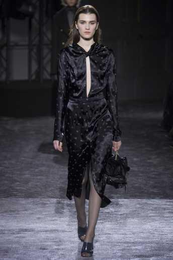 Irina Djuranovic - Nina Ricci Fall 2016 Ready-to-Wear