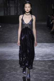Jing Wen - Nina Ricci Fall 2016 Ready-to-Wear