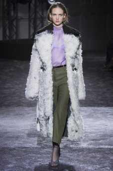 Adrienne Juliger - Nina Ricci Fall 2016 Ready-to-Wear