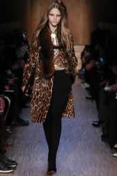Masha Tsarykevich - Givenchy Fall 2016 Ready-to-Wear