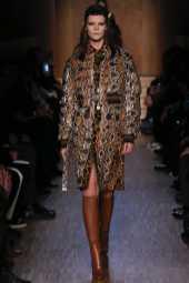 Irina Kravchenko - Givenchy Fall 2016 Ready-to-Wear