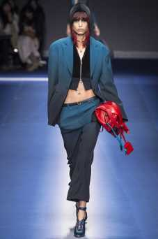 Mica Arganaraz - Versace Fall 2017 Ready-to-Wear