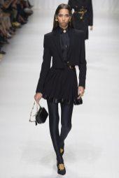 Yasmin Wijnaldum - Versace Spring 2018 Ready-to-Wear