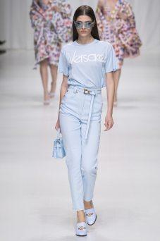 Alexandra Micu - Versace Spring 2018 Ready-to-Wear