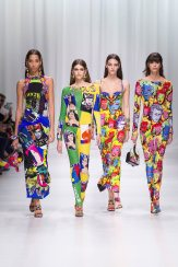 Yasmin Wijnaldum - Kaia Gerber - Vittoria Ceretti - Mica Arganaraz - Versace Spring 2018 Ready-to-Wear