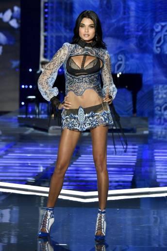 Daniela Braga - Victoria's Secret Fashion Show