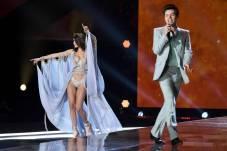 Bella Hadid - Victoria's Secret Fashion Show
