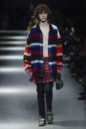 Efraim Schroder - Burberry Spring 2018 Ready-to-Wear