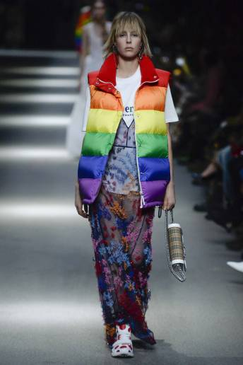 Edie Campbell - Burberry Spring 2018 Ready-to-Wear