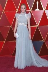 Emily Blunt - Elbise: Schiaparelli Haute Couture, Takılar: Chopard