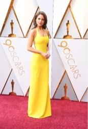 Eiza González - Elbise: Ralph Lauren, Ayakkabı: Brian Atwood, Takılar: Chopard