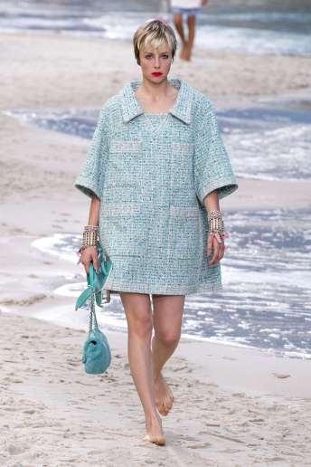 Edie Campbell - Chanel Spring 2019 Ready-to-Wear
