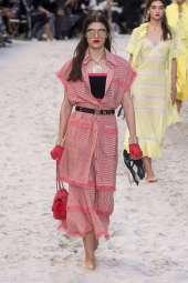 Alexandra Micu - Chanel Spring 2019 Ready-to-Wear