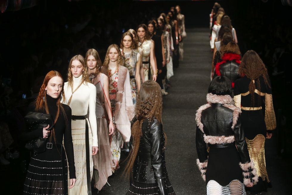 Alexander McQueen и Balenciaga нема повеќе да користат крзно во своите колекции