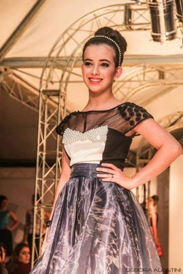 Lívia Reis, com o look inspirado em My Fair Lady. Foto: Débora Agostini
