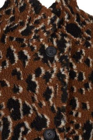 detalle del estampado y cierre del abrigo Belinde de Minimum