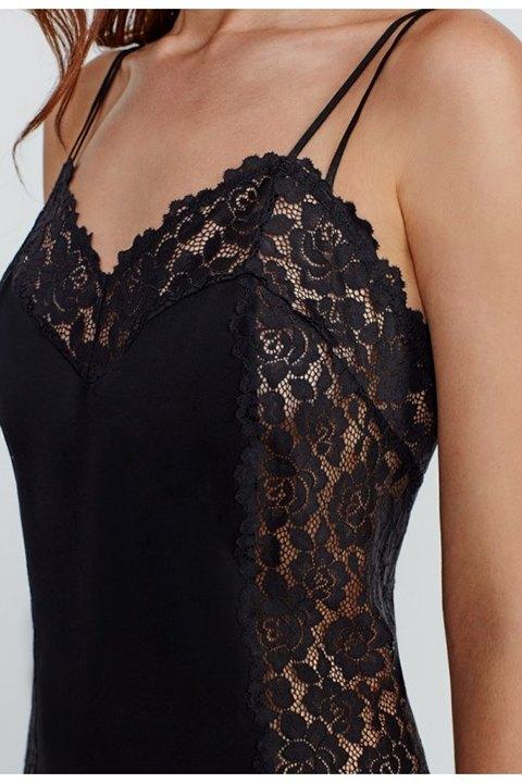 Picardías negro de satén elástico con encaje floral, doble tirante que cruzan en la espalda.