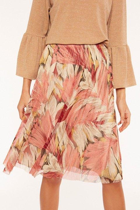 Falda estampada en tonos rosas y crudos con un ligero brillo.