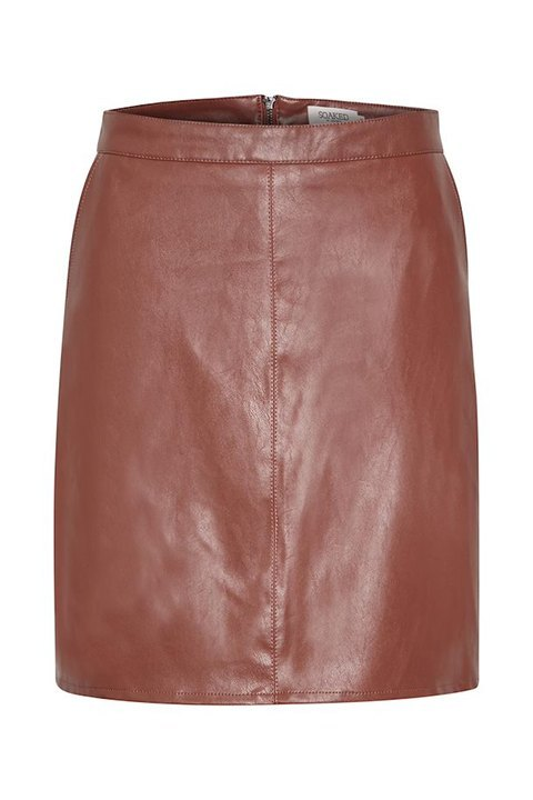 Falda a la cintura en color henna de Soaked in Luxury.