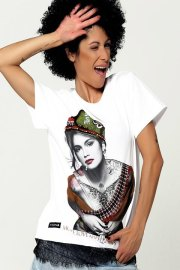 Be happiness. Camiseta blanca con serigrafía de Cindy Crawford.