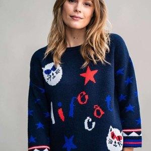 Pullover Rosalita Mc Gee. Jersey de punto azul marino con dibujos de gatos y estrellas.
