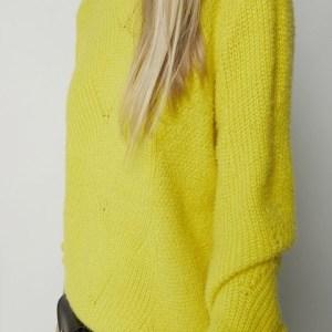 Jersey de punto en tono amarillo