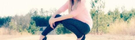 girl in jeanshosen mit high heels