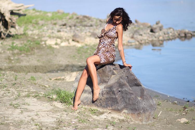 stein frau kleid leomuster